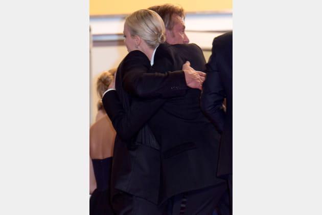 Sean Penn et Charlize Theron se réconcilient en haut des marches