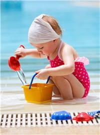 l'exposition au soleil permet aux enfants une croissance avec des os solides où