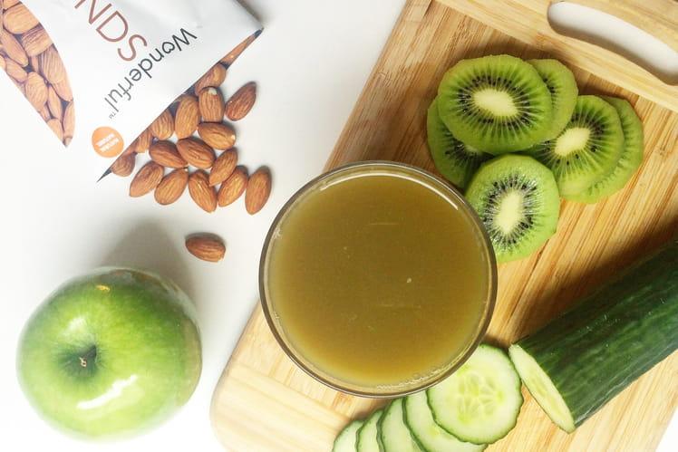 Jus healthy au concombre, kiwi, pommes et amandes