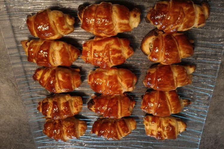 Petits croissants saumon et fromage
