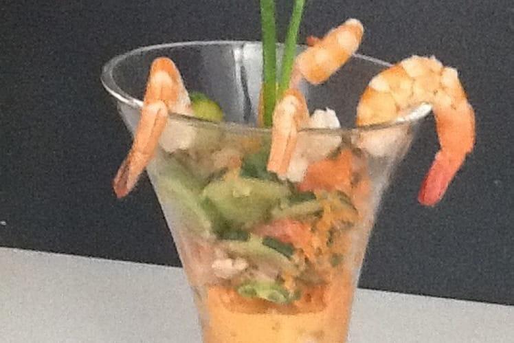 Salade de camarons au lait de coco et citron vert