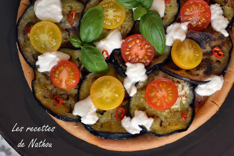 Pizza - tarte aux aubergines, tomates cerise et chèvre