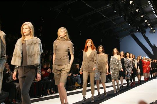 Fashion week : défilé Guy Laroche, prêt-à-porter automne-hiver 2011-2012 le défilé
