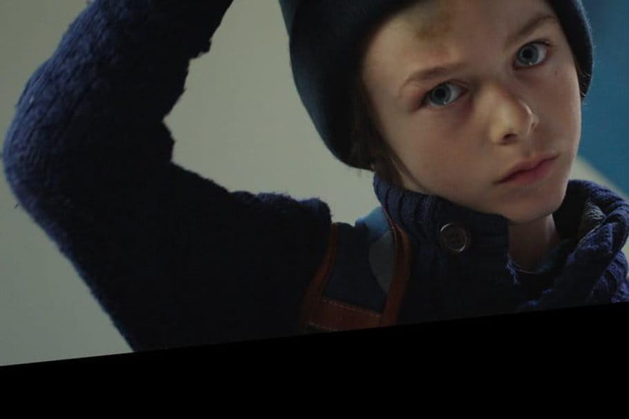 Enlève ton bonnet: la nouvelle campagne d'Enfance et Partage