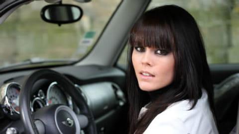 """Examen permis de conduire : """"Les filles utilisent leur tête"""""""