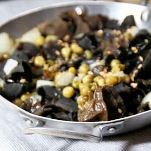 poêlée de champignons noirs