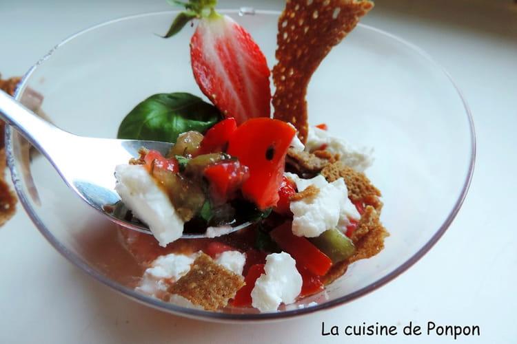 Verrines sans gluten aux tomates cerise, fraises et kiwi