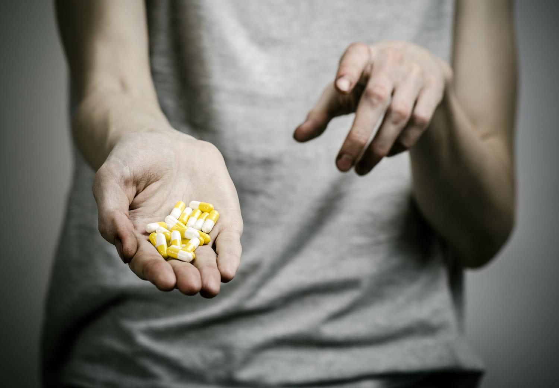 Dépendance aux médicaments: symptômes, que faire?