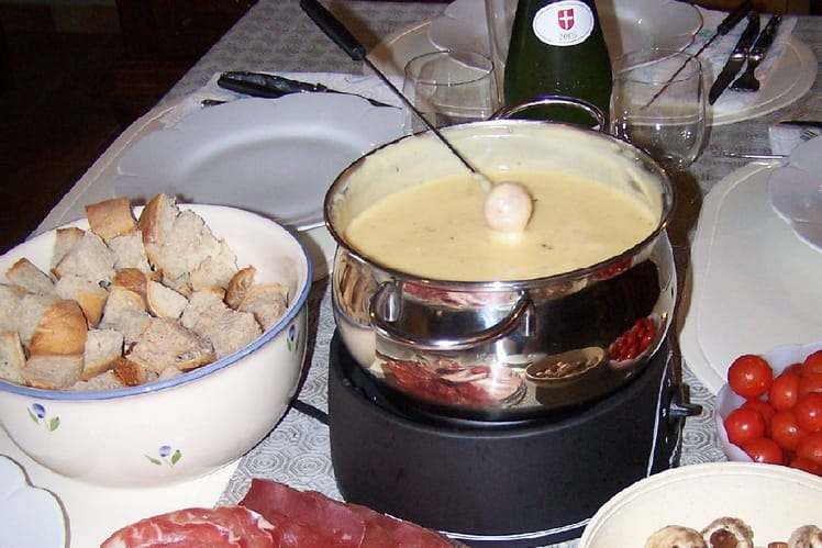 Fondue au fromage authentique