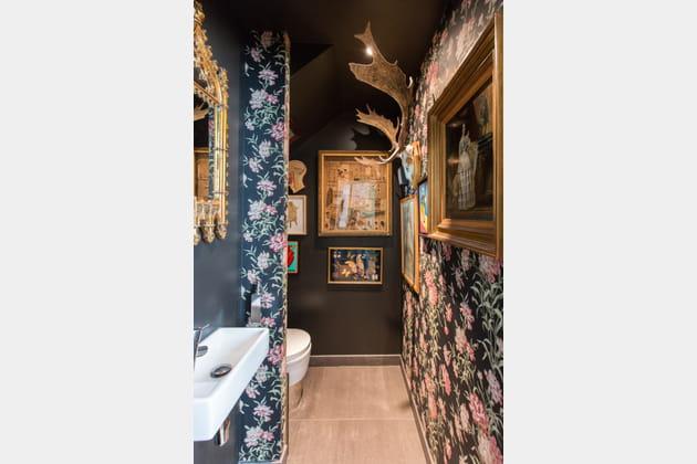 Toilettes fleuries