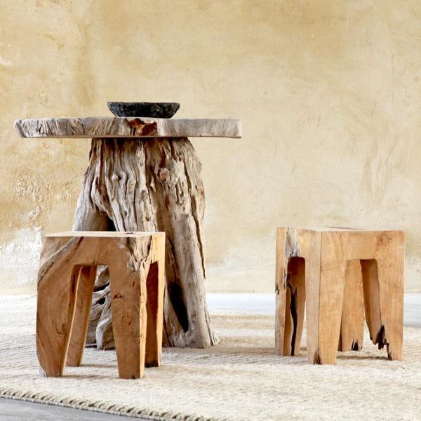 Table et ses tabourets exotiques for Mobilier bois flotte