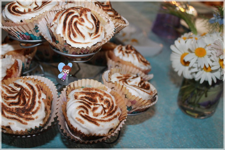 Muffins feuilletés meringués à la rhubarbe