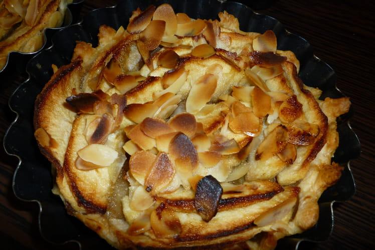 Tarte aux pommes à la compote, miel et amandes