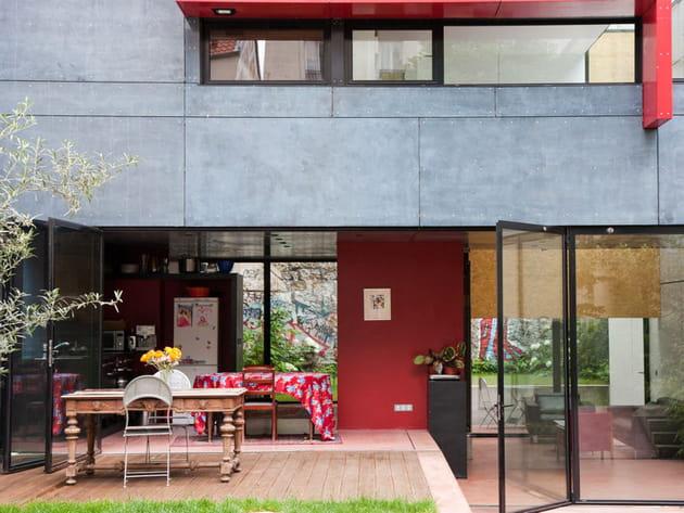 Une cuisine ouverte sur le jardin