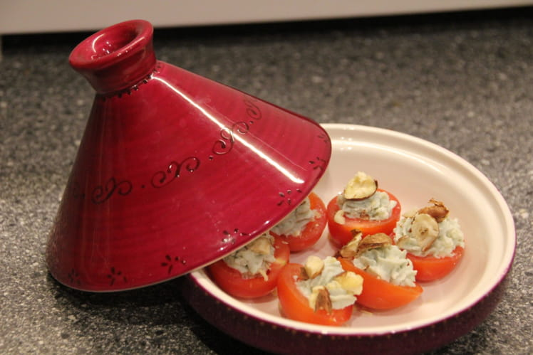Tomates cerise au roquefort et noisettes