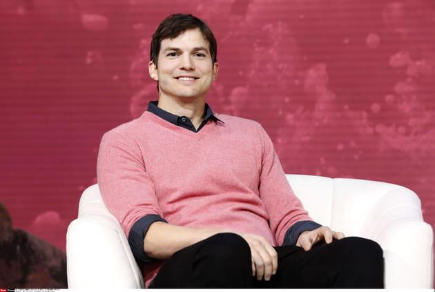 Ashton Kutcher veut que les femmes soient à l'aise avec leur sexualité