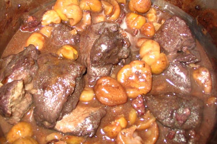Sauté de biche au xocopili et aux marrons