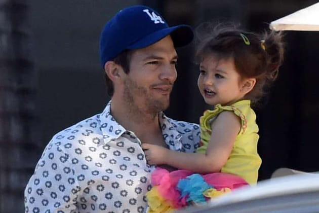 Ashton Kutcher, gaga de sa fille, Wyatt