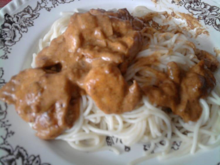 Recette escalopes de dinde au paprika la recette facile - Cuisiner escalopes de dinde ...