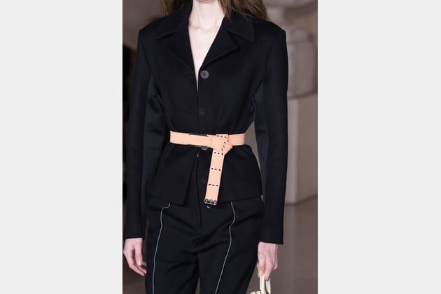 Louis Vuitton (Close Up) - photo 19