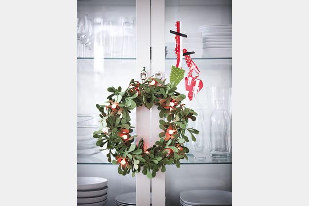 Couronne lumineuse effet guis IKEA Noël