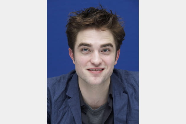 Robert Pattinson sans barbe