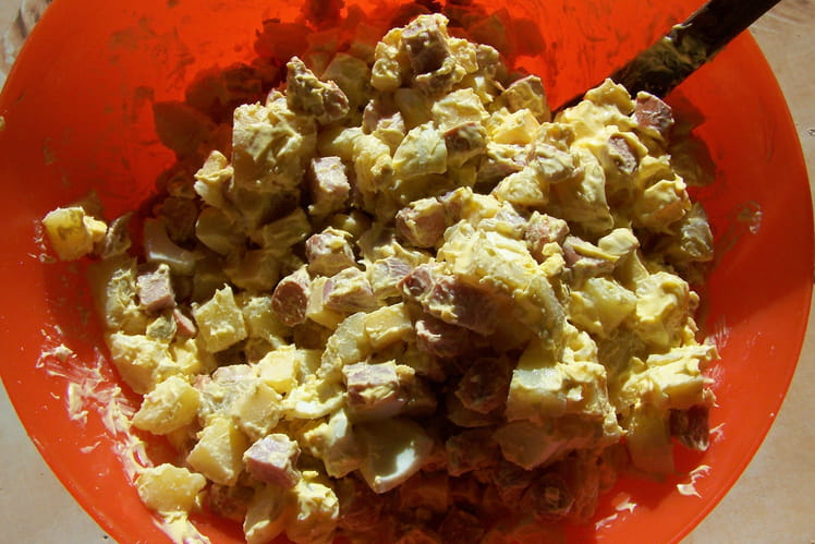Salade piémontaise aux saucisses Knacki et gruyère