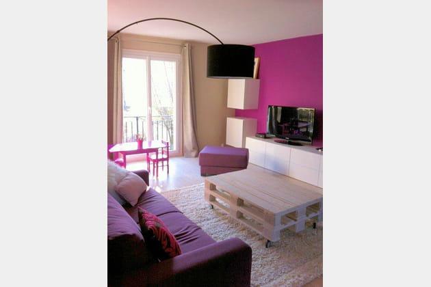 apr s un coin t l joyeux. Black Bedroom Furniture Sets. Home Design Ideas