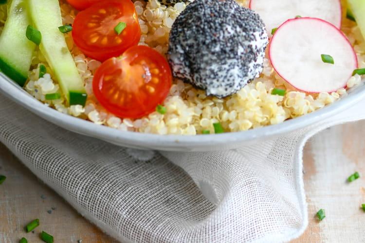 Veggie bowl aux billes de chèvre frais