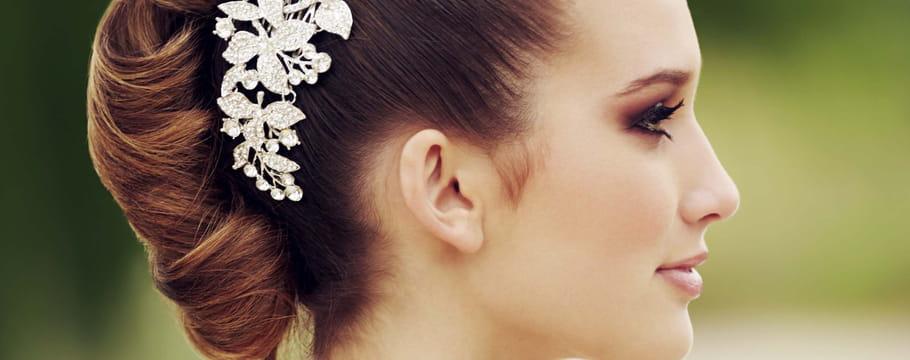 Last tweets about coiffure - Fauteuil dans un salon de coiffure pour dames ...