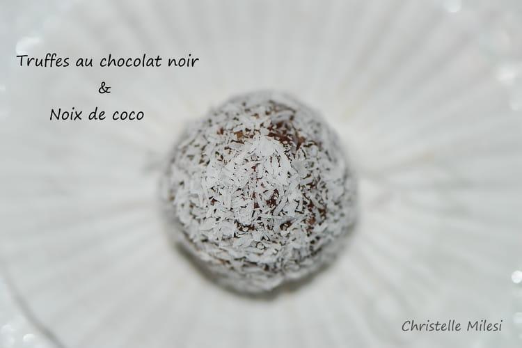 Truffes au chocolat noir et noix de coco