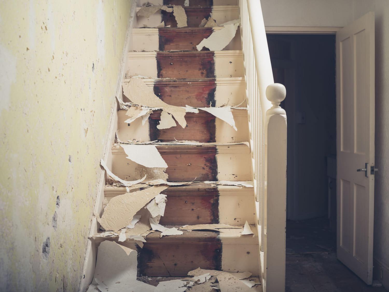 Comment rénover un escalier en bois? Les étapes à suivre