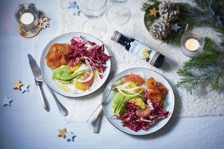 Chicorée, fenouil, avocat, orange, pamplemousse au saumon fumé, aneth et huile O'Citron par Bio Planète