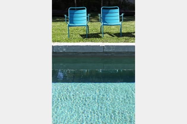 Des chaises de jardin