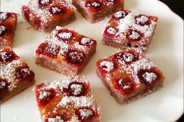 Gâteau moelleux aux framboises et à l'abricot