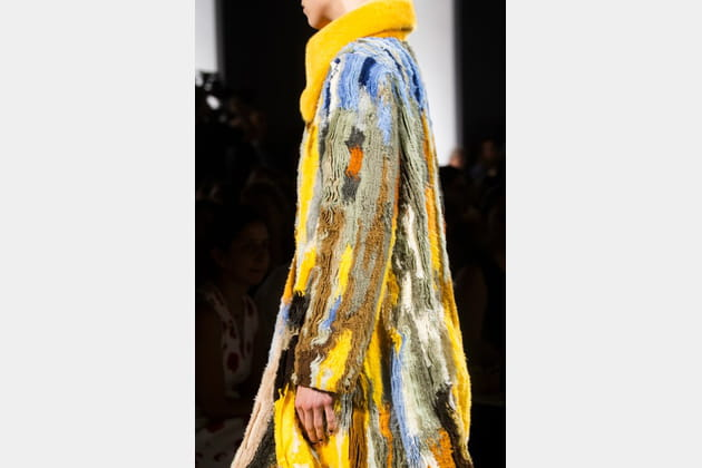 Fendi Couture (Close Up) - photo 2