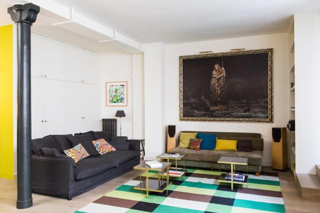 Un salon bourgeois et moderne