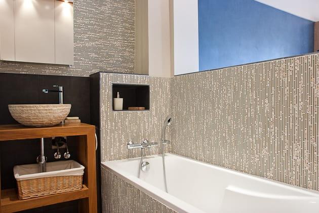 Petit loft zen : salle de bains