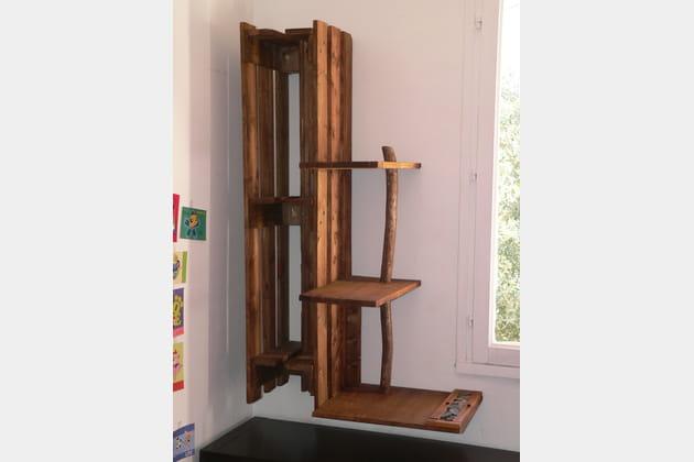 biblioth que en palette. Black Bedroom Furniture Sets. Home Design Ideas