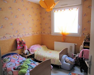 avant :des lits jumeaux occupant beaucoup d'espace