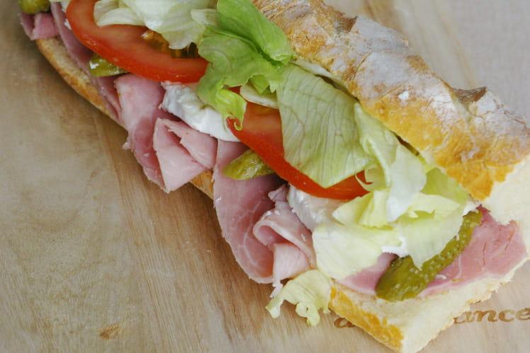 Sandwich jambon chèvre crudités