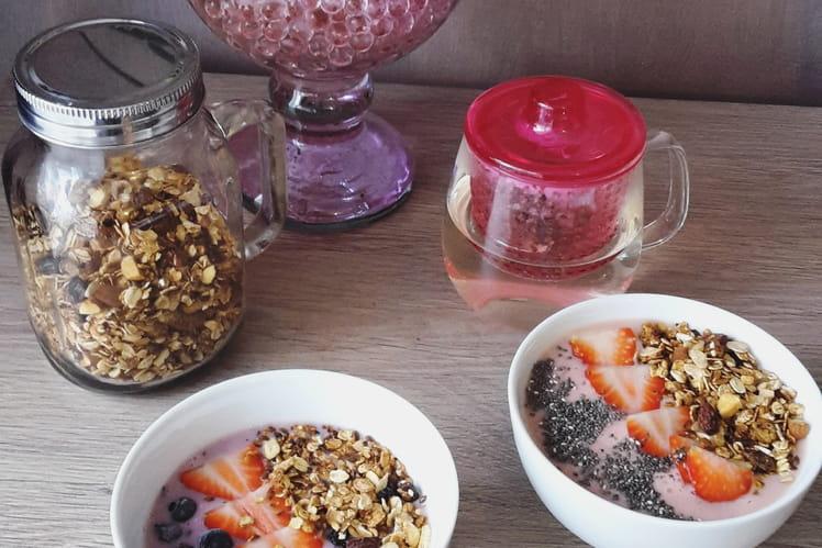 Smoothie Bowl aux fraises et myrtilles