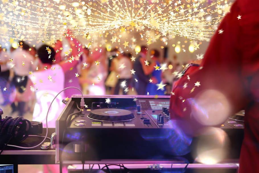 Mariage thème années 70: nos idées pour un mariage disco