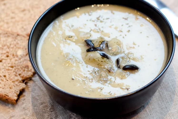 Soupe à l'oignon comme une Pissaladière