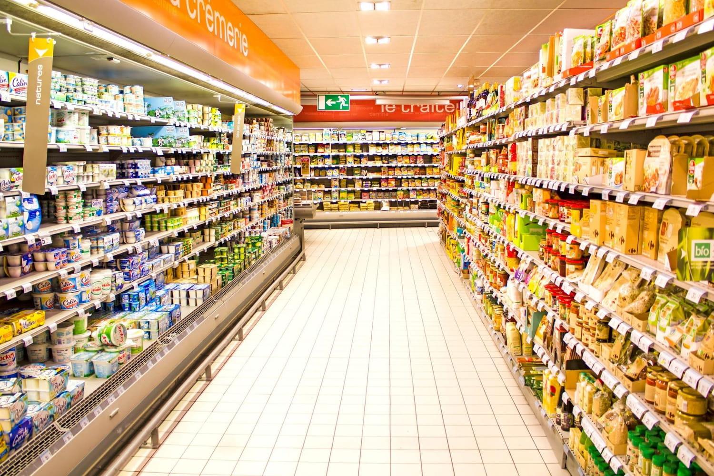 Voici à quoi servent les barres de fer en rayon dans les supermarchés