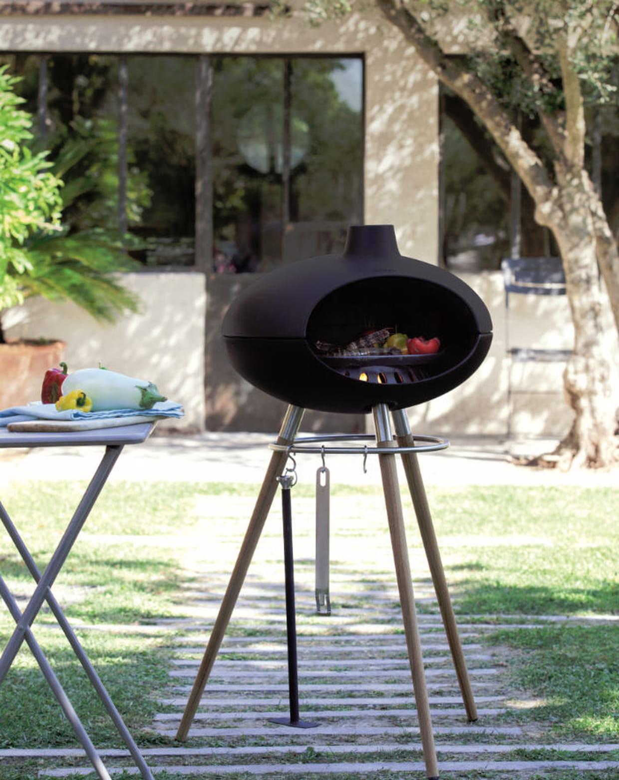 barbecue au bois par jardiland. Black Bedroom Furniture Sets. Home Design Ideas