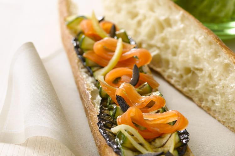Tartine de saumon fumé aux légumes, olives et citron confit