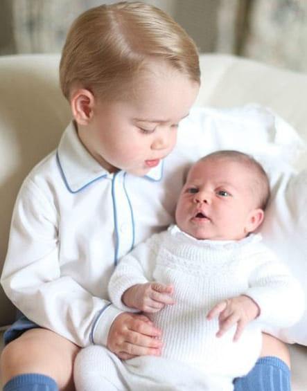 Charlotte, dans les bras de George