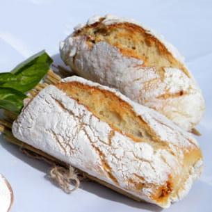 petits pains sans pétrissage basilic-tomates