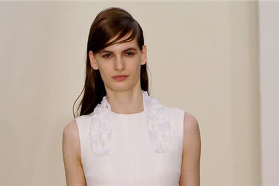 Légèreté, broderies et transparence chez Dior